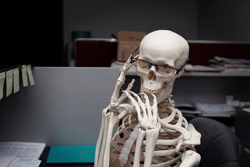 E fora o cálcio, nossos ossos estão bem?