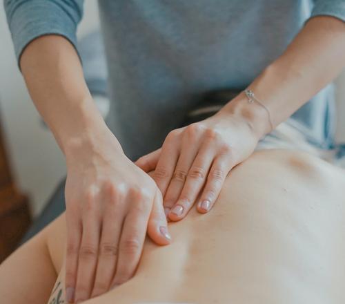 Os recursos da terapia manual no tratamento de pacientes com dor crônica