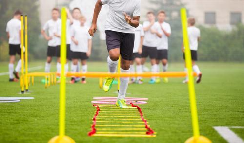 Diferentes fases de esforço durante uma partida de futebol e estratégias de treinamento